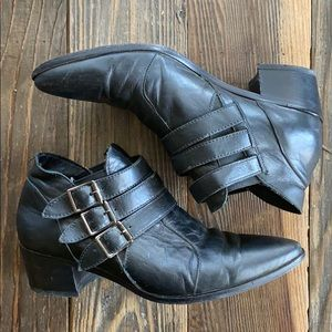 Modern Vice ankle booties